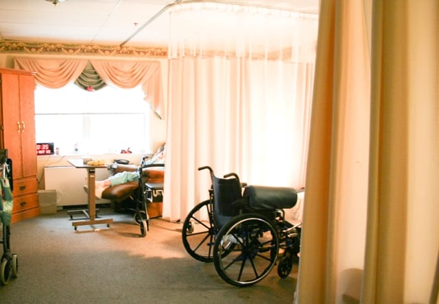 Nursing Home or Retirement Community:  What's the Difference?